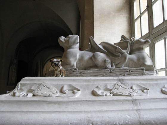 paperpets versailles dog tomb